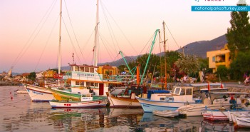 boats_at_kusadasi_turkey